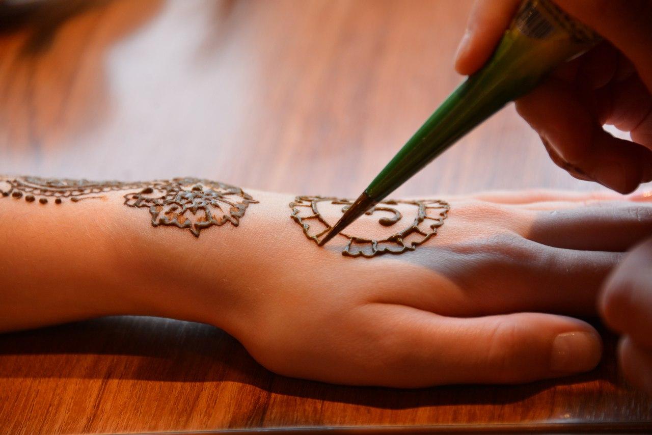 Как сделать временные татуировки в домашних условиях хной 33